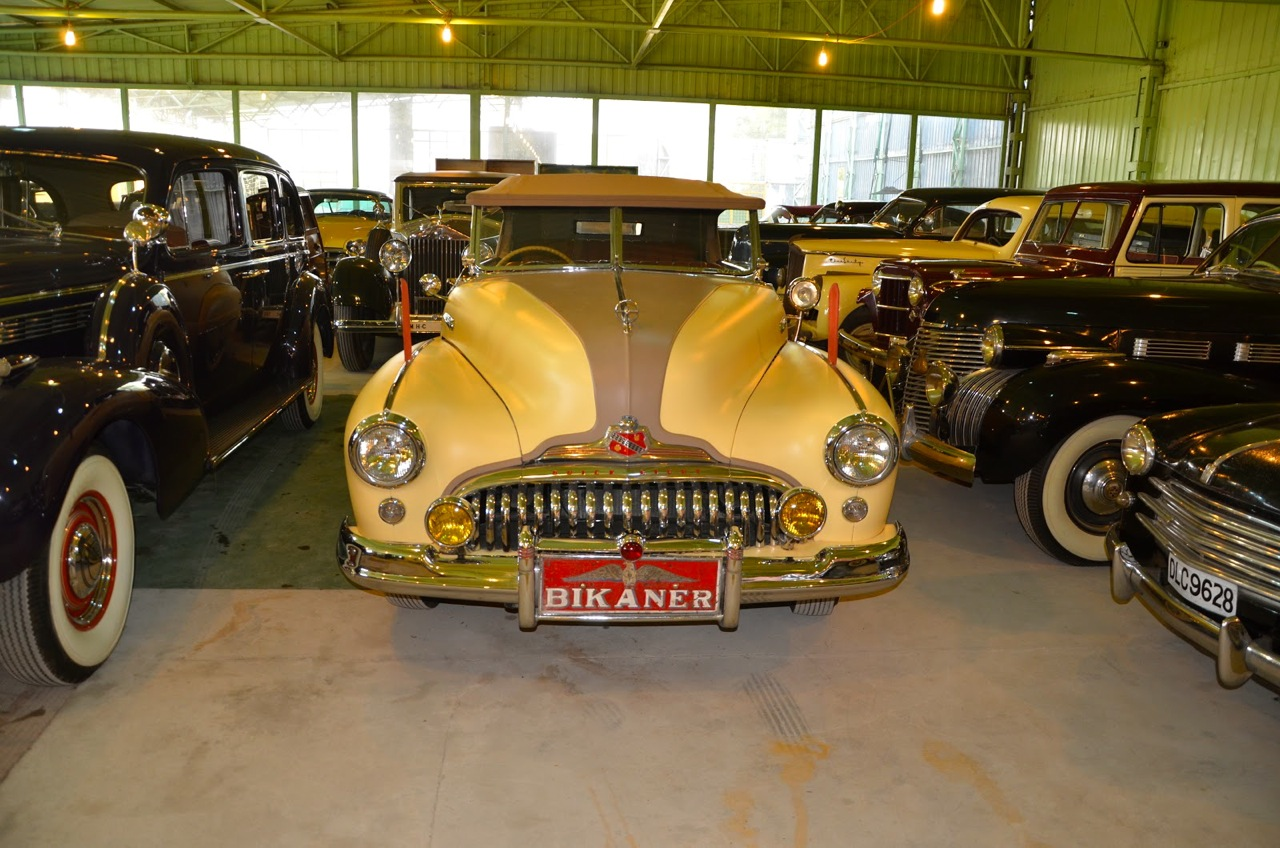 CLASSIC CARS IN INDIA: RAJASTHAN ADVENTURE! - Car Guy Chronicles