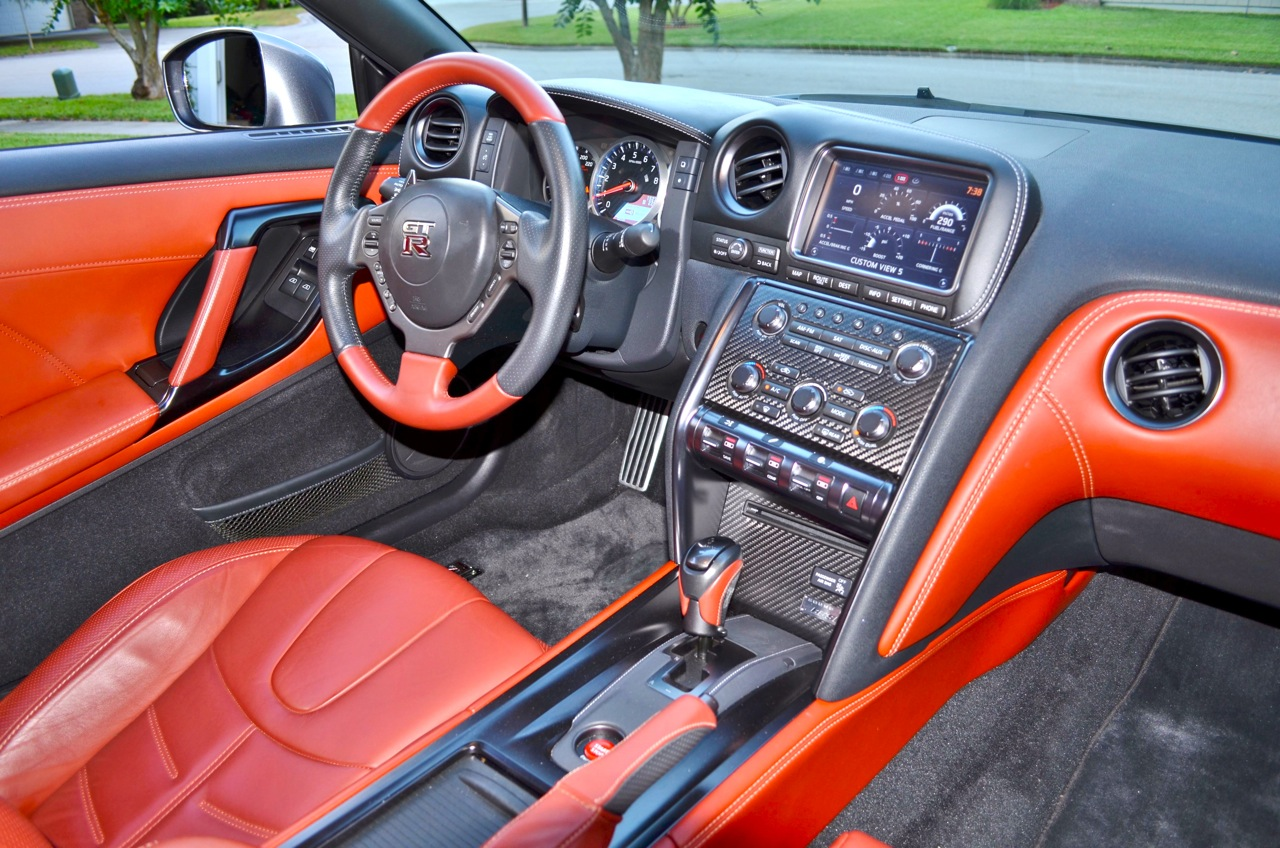 The Overall Dashboard Hasnu0027t Changed From 2009. But 2015 Brings Us  Contrasting Red Leather. The Leather Bucket Seats Were Very Supportive,  Facing A Steering ...