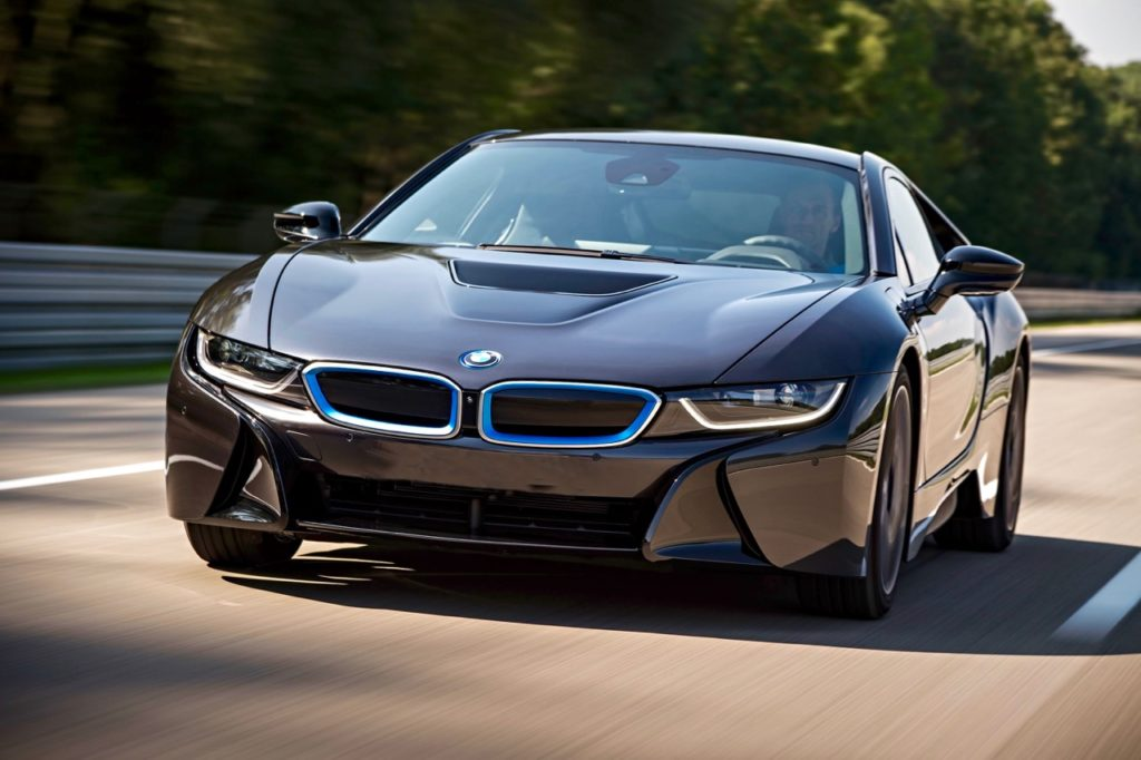 BMW I8 SUPERCAR: PLUGGED-IN AND POWERED-UP