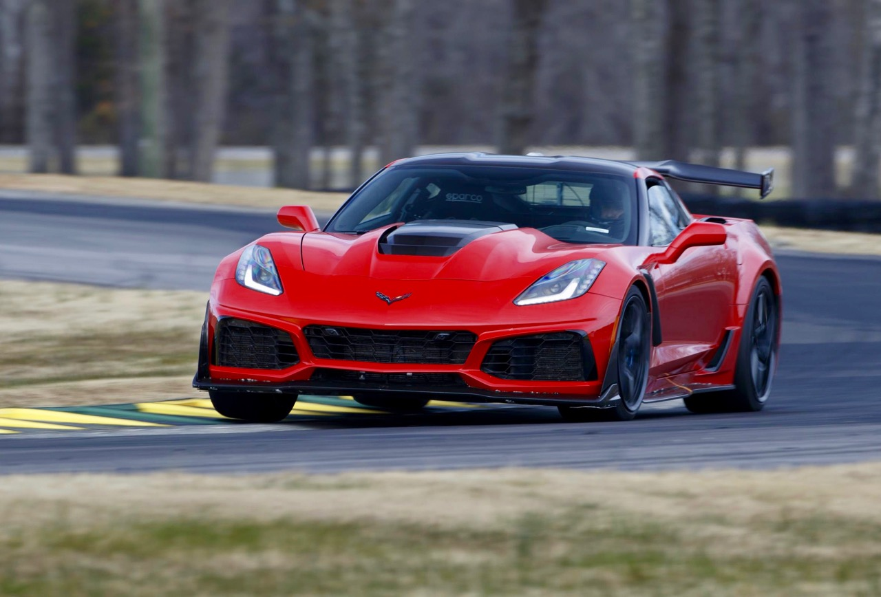 '19 CORVETTE ZR1: KING OF THE ROAD & TRACK!