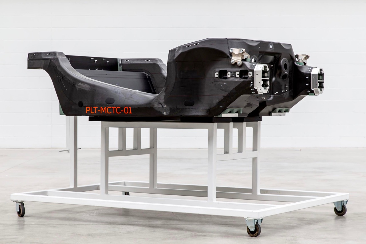 McLAREN CARBON FIBRE CHASSIS: ADDING LIGHTNESS!