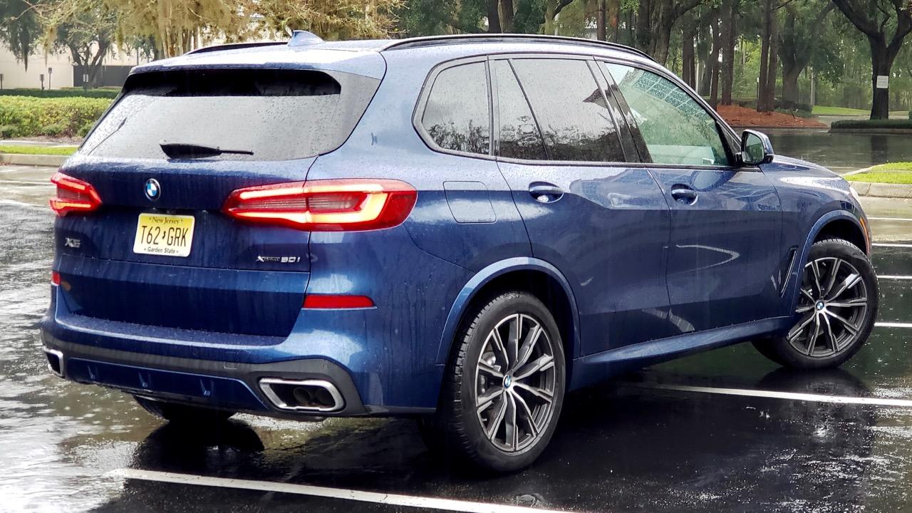 '19 BMW X5 XDRIVE50I: DRIVING MACHINE!