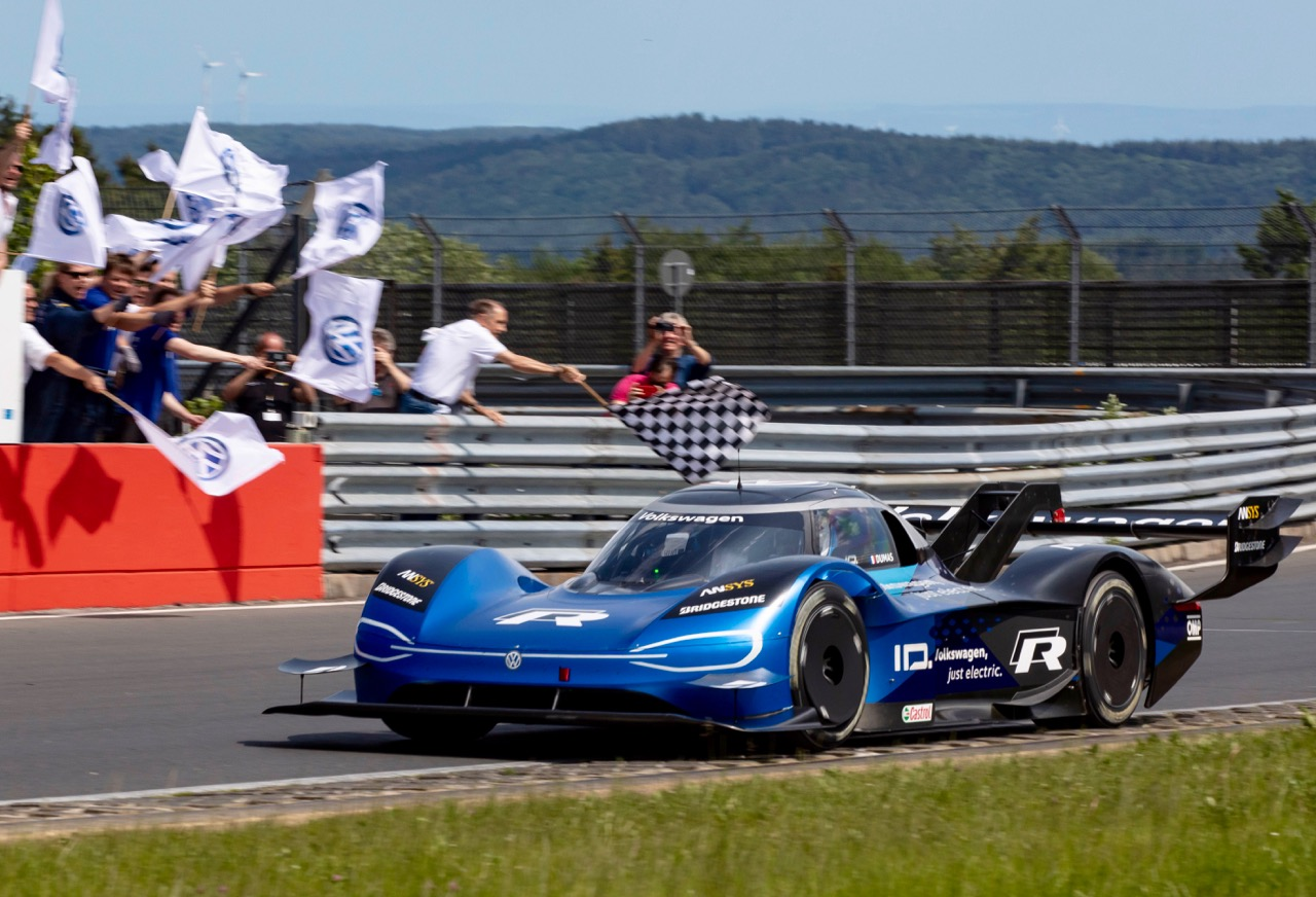 "VW ID.R SETS E-RECORD ON THE ""RING!"