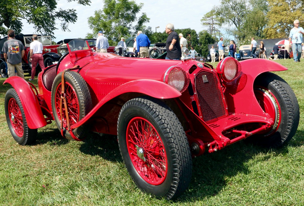 CONCOURS: 100 MOTOR CARS OF RADNOR HUNT!