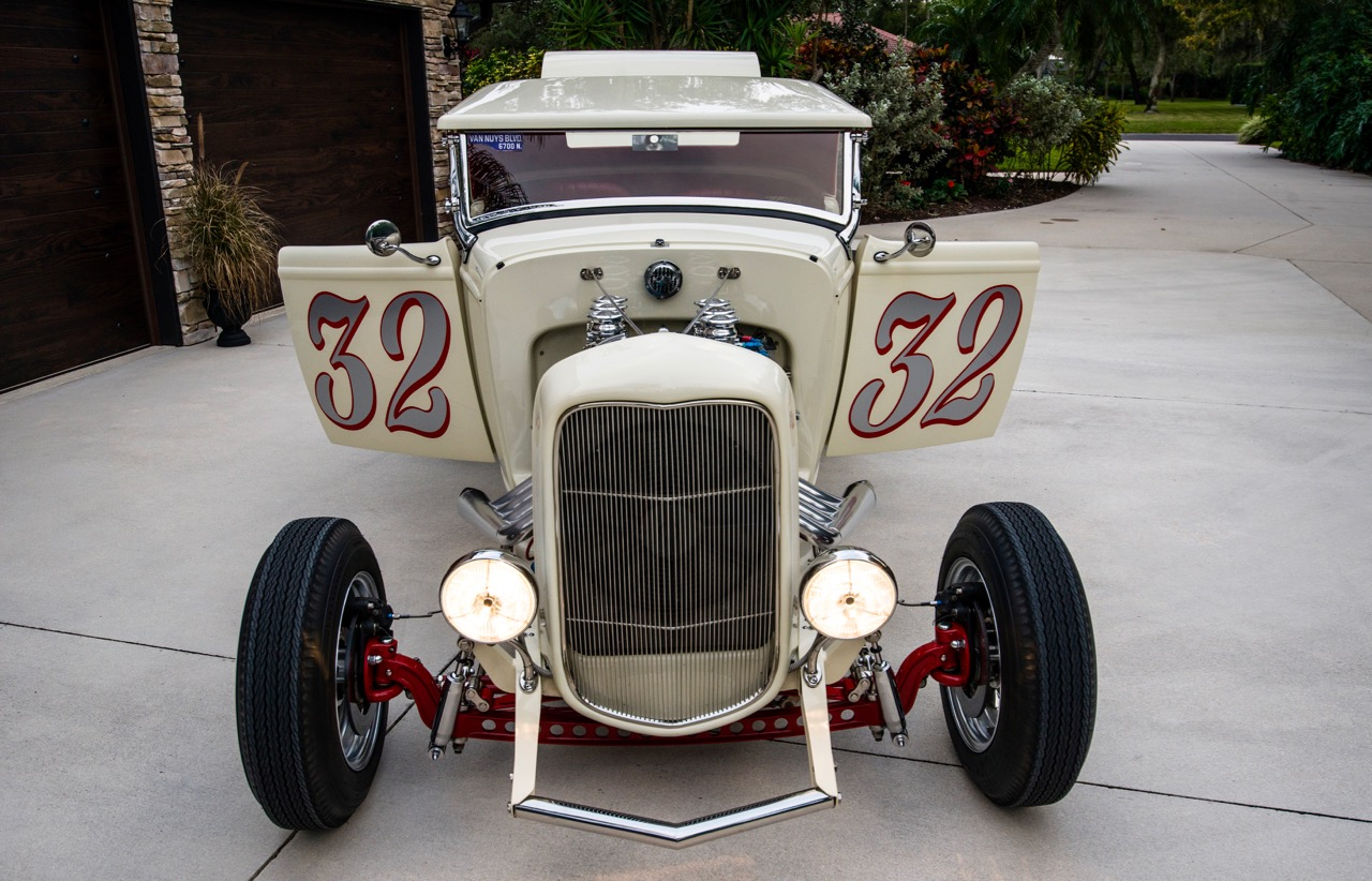 CALIFORNIA DREAMIN': '32 FORD