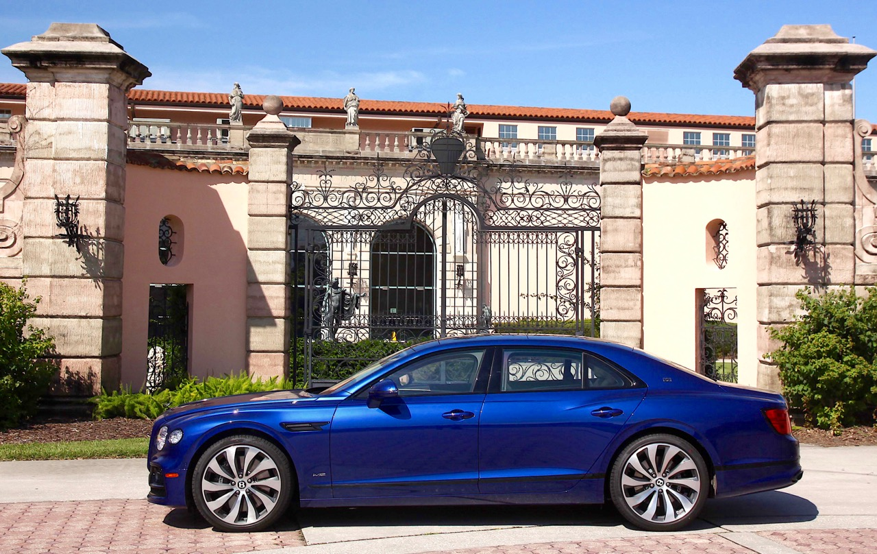 WORLD'S FASTEST FOUR DOORS: BENTLEY FLYING SPUR
